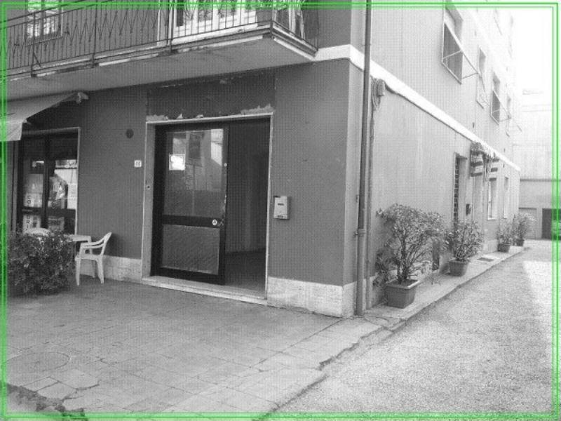 Negozio / Locale in vendita a Pistoia, 2 locali, prezzo € 55.000 | CambioCasa.it