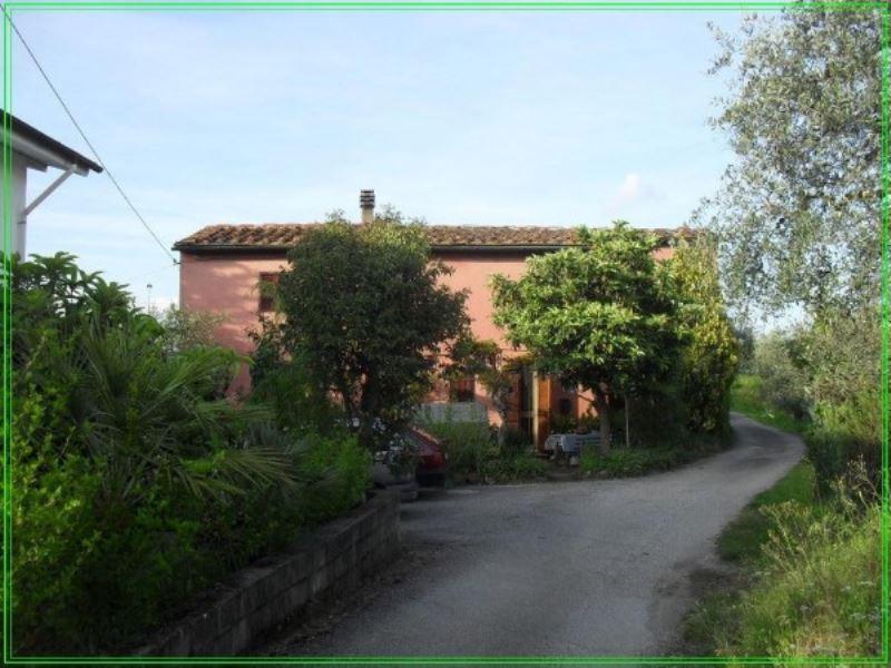 Rustico / Casale in vendita a Serravalle Pistoiese, 6 locali, prezzo € 300.000 | CambioCasa.it