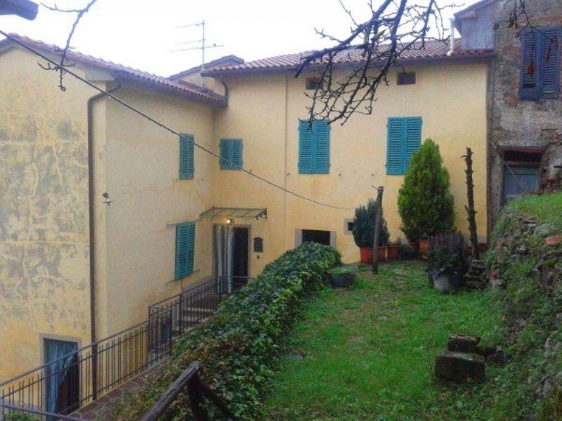 Soluzione Indipendente in vendita a Pistoia, 6 locali, prezzo € 80.000 | CambioCasa.it