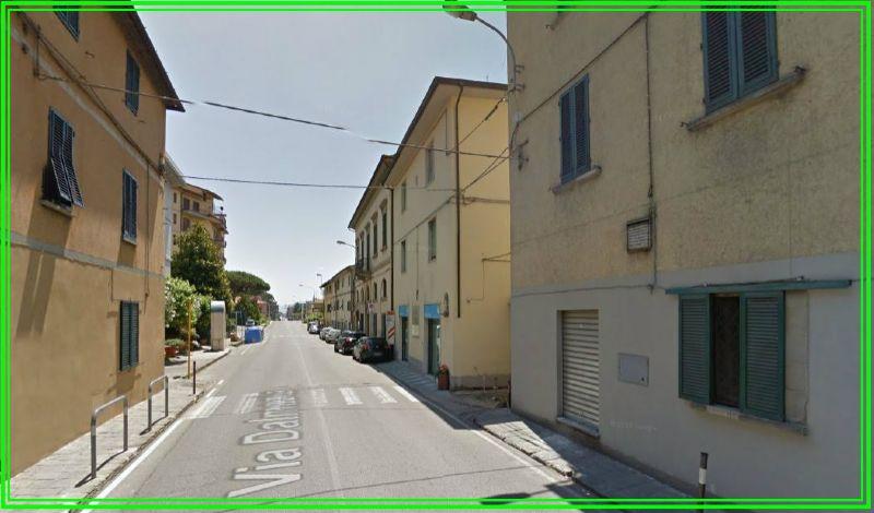 Palazzo / Stabile in vendita a Pistoia, 6 locali, prezzo € 110.000 | CambioCasa.it