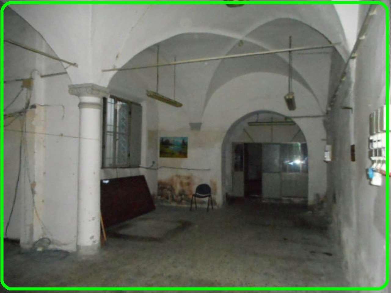 Magazzino in vendita a Pistoia, 4 locali, prezzo € 118.000   CambioCasa.it