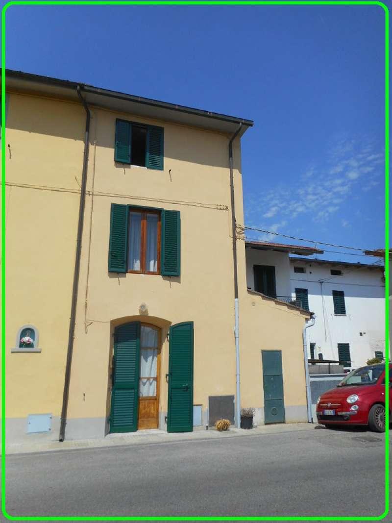 Palazzo / Stabile in vendita a Pistoia, 6 locali, prezzo € 90.000 | CambioCasa.it