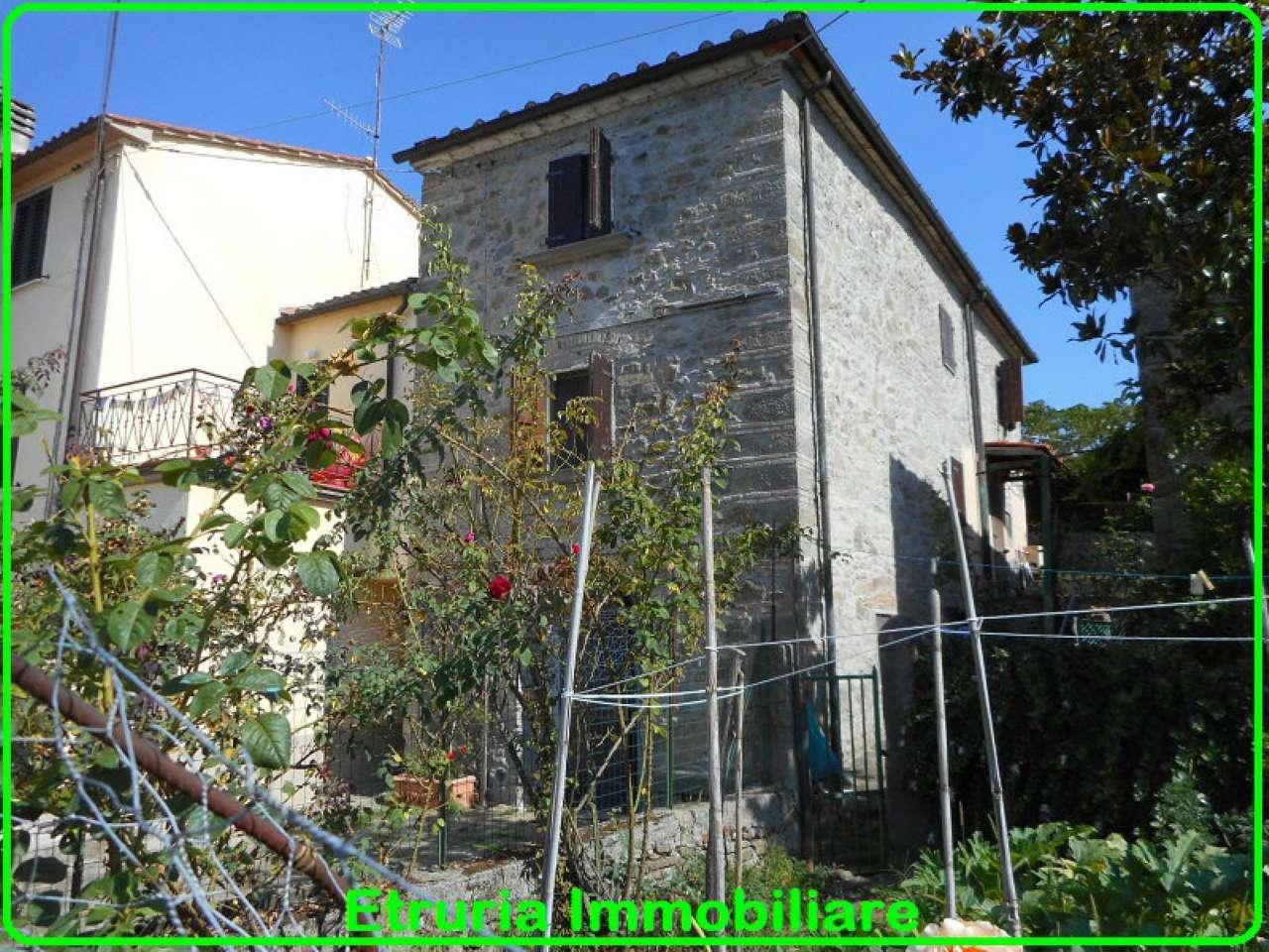 Palazzo / Stabile in vendita a Pistoia, 6 locali, prezzo € 160.000 | CambioCasa.it