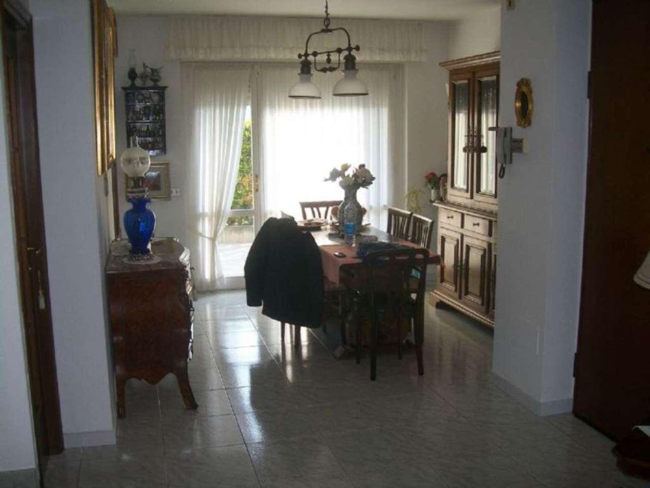 Soluzione Indipendente in vendita a Settimo Torinese, 6 locali, prezzo € 310.000 | Cambio Casa.it