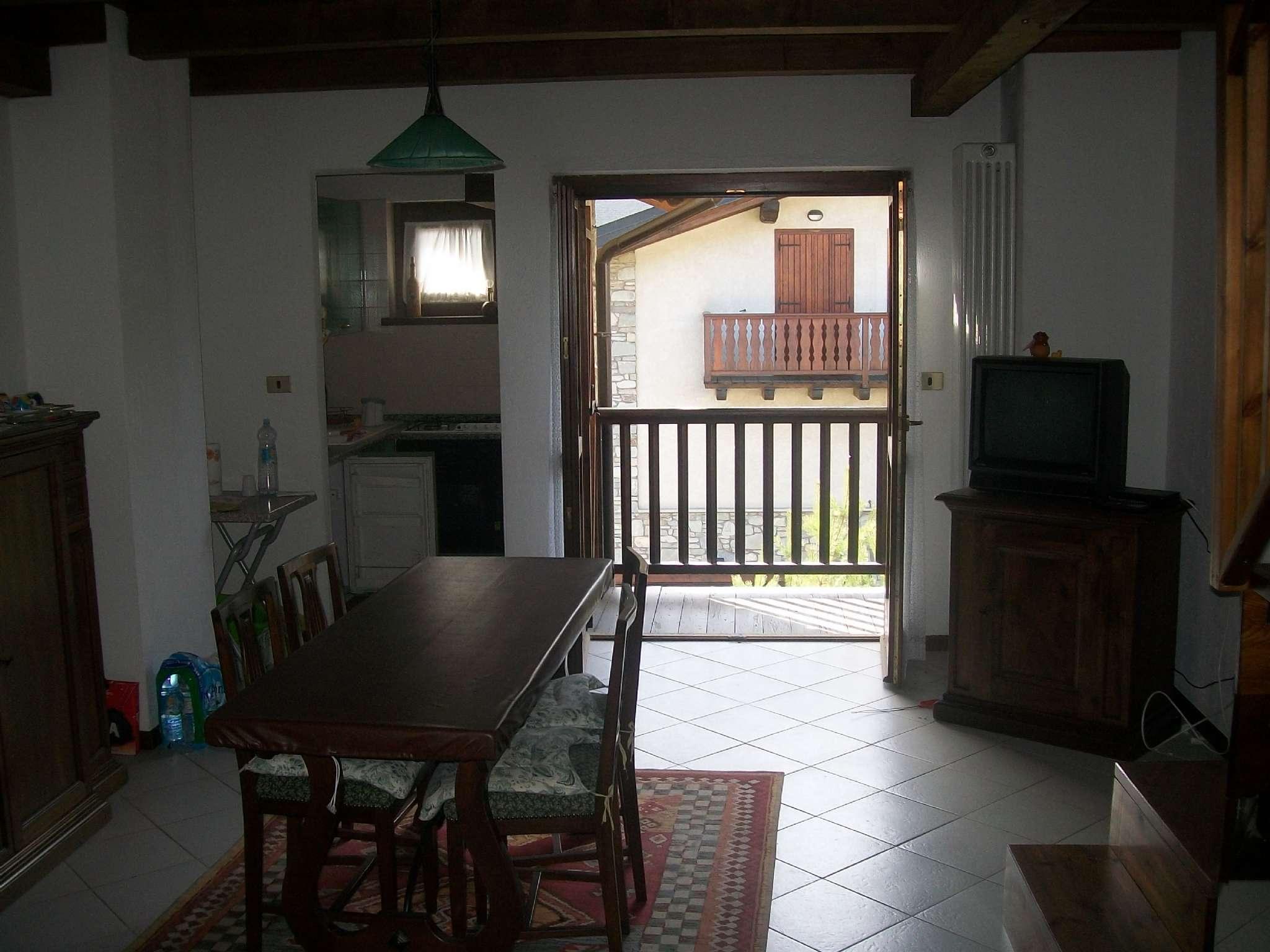 Appartamento in vendita a Oulx, 3 locali, prezzo € 120.000 | CambioCasa.it
