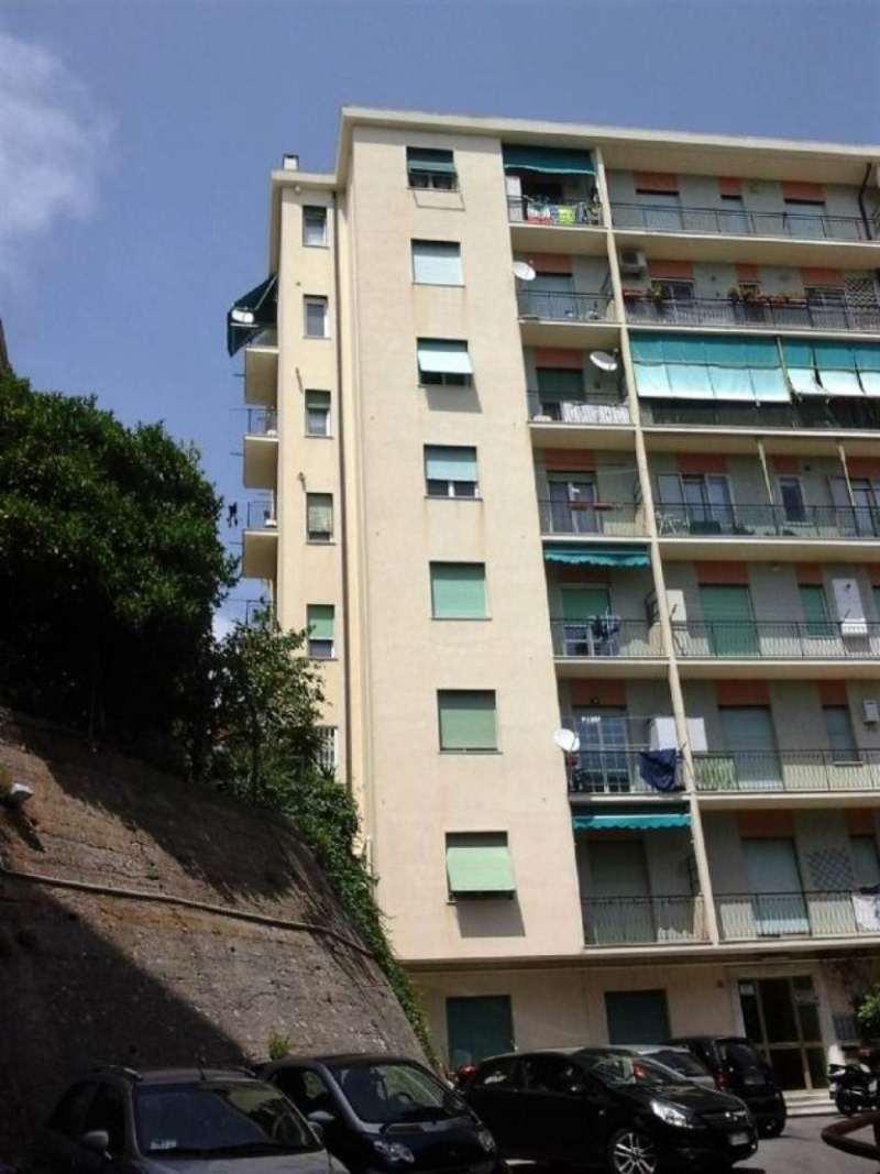 Appartamento in affitto a Genova, 2 locali, zona Zona: 4 . S.Fruttuoso-Borgoratti-S.Martino, prezzo € 300   Cambio Casa.it