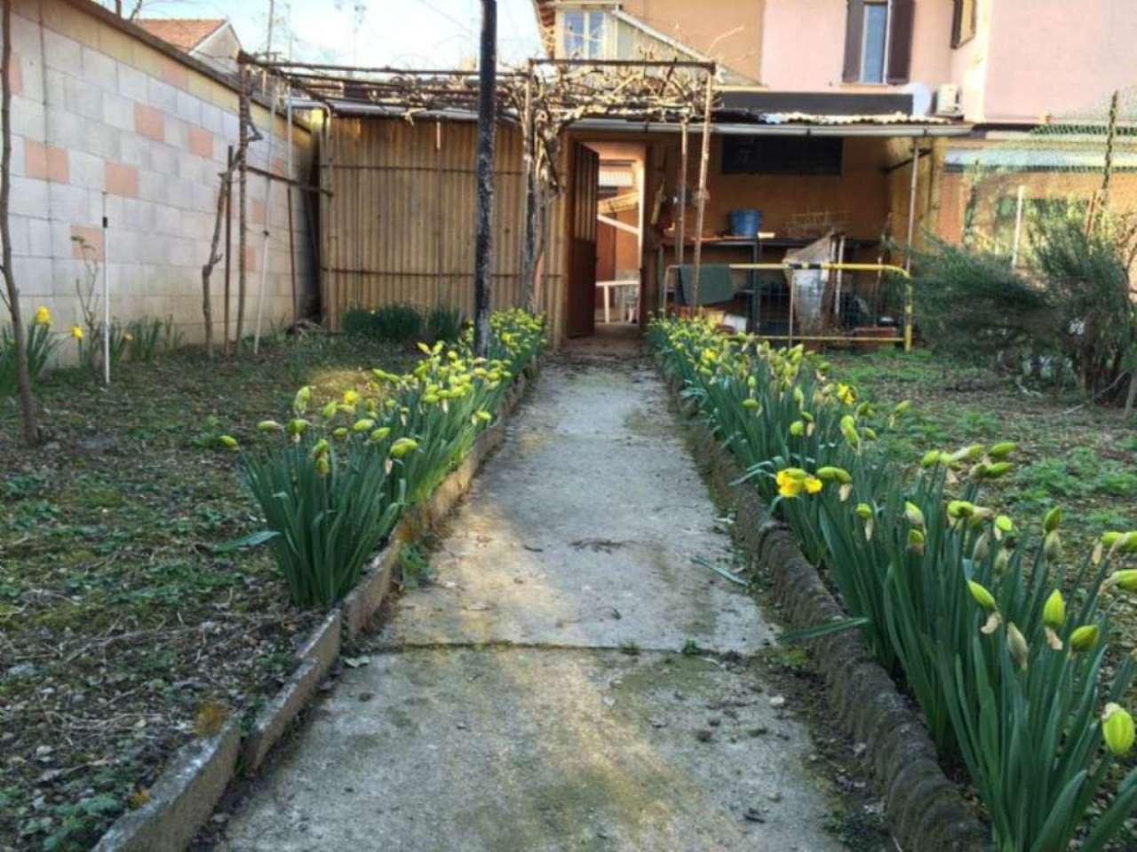 Soluzione Indipendente in vendita a Rho, 4 locali, prezzo € 190.000 | Cambio Casa.it