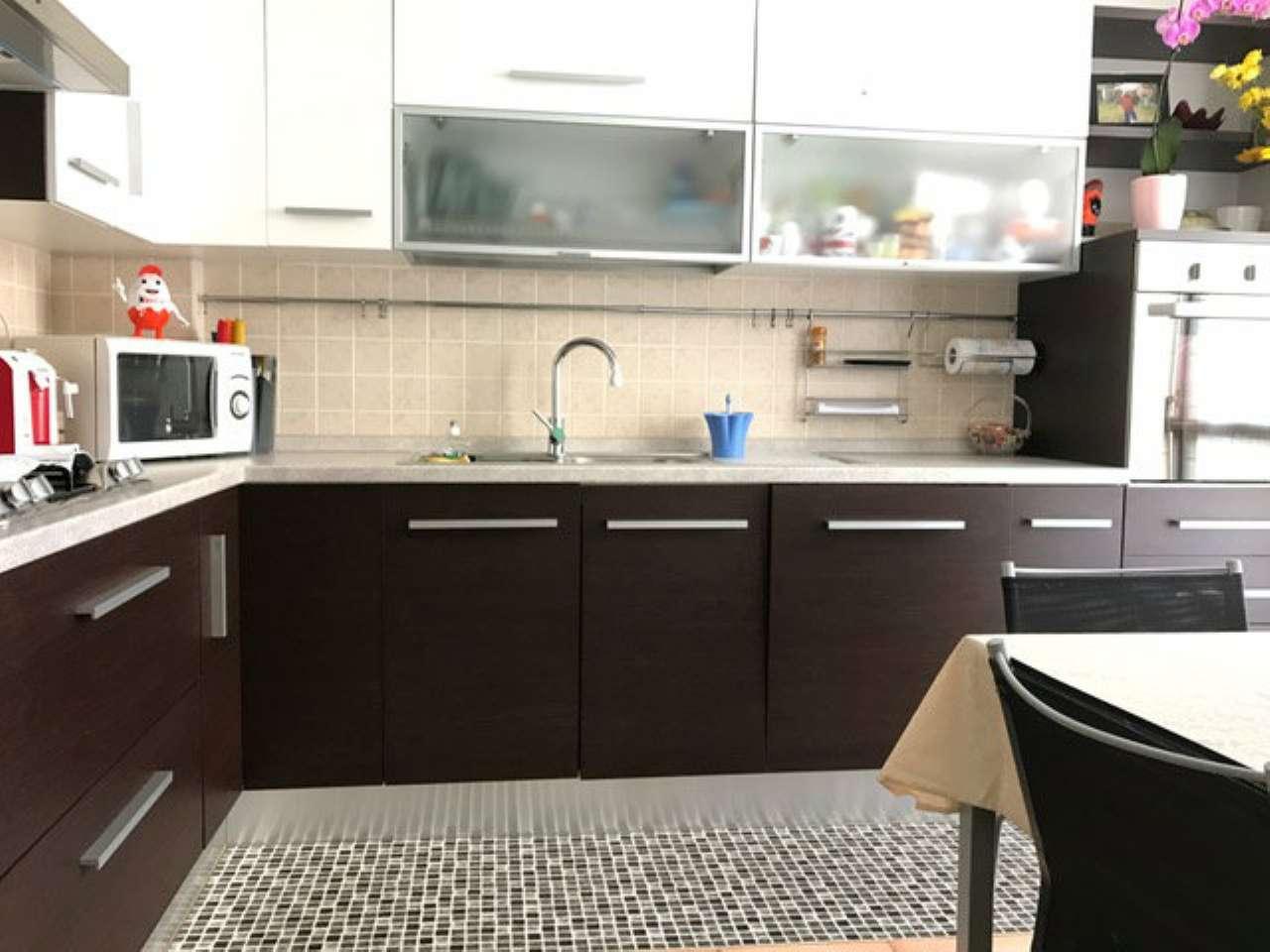 Appartamento in vendita a Nerviano, 3 locali, prezzo € 160.000   CambioCasa.it