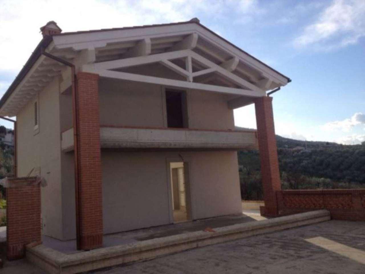 Villa in vendita a Quarrata, 6 locali, prezzo € 450.000 | Cambio Casa.it