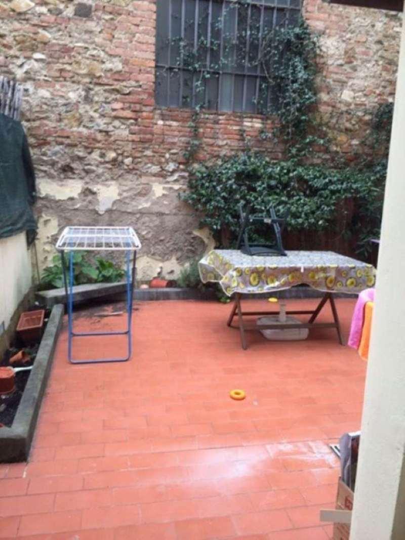 Palazzo / Stabile in vendita a Prato, 5 locali, prezzo € 190.000 | CambioCasa.it