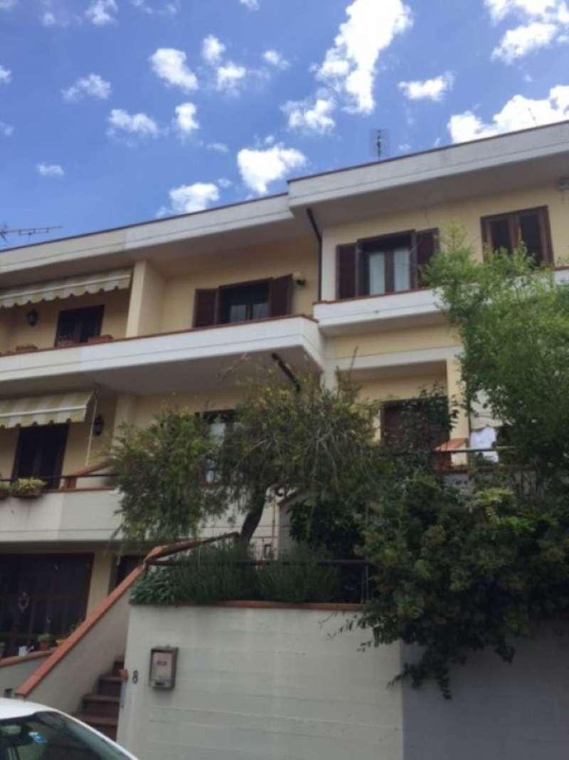 Palazzo / Stabile in Vendita a Montale