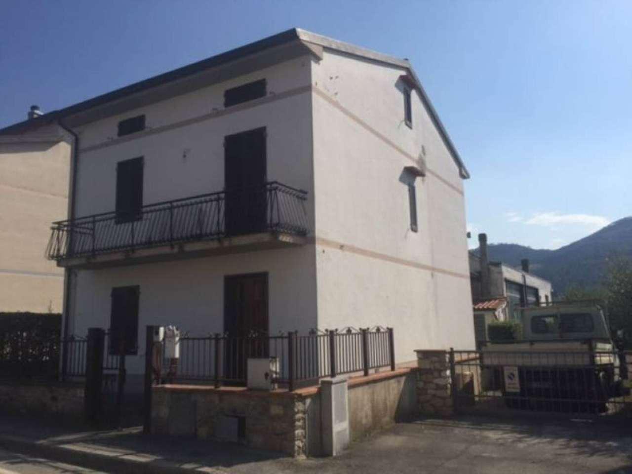 Palazzo / Stabile in vendita a Montemurlo, 8 locali, prezzo € 520.000 | Cambio Casa.it