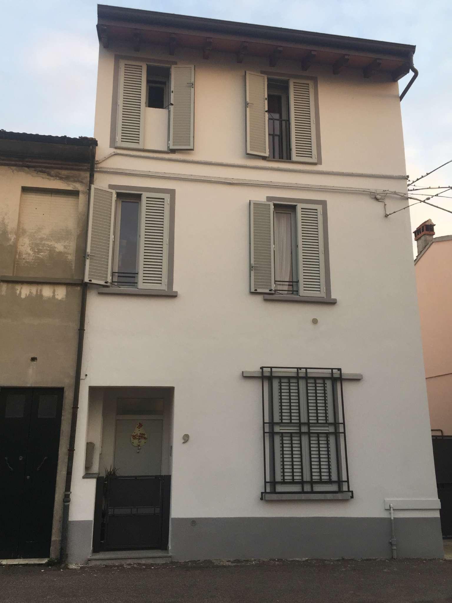 Palazzo / Stabile in vendita a Prato, 8 locali, prezzo € 345.000 | Cambio Casa.it