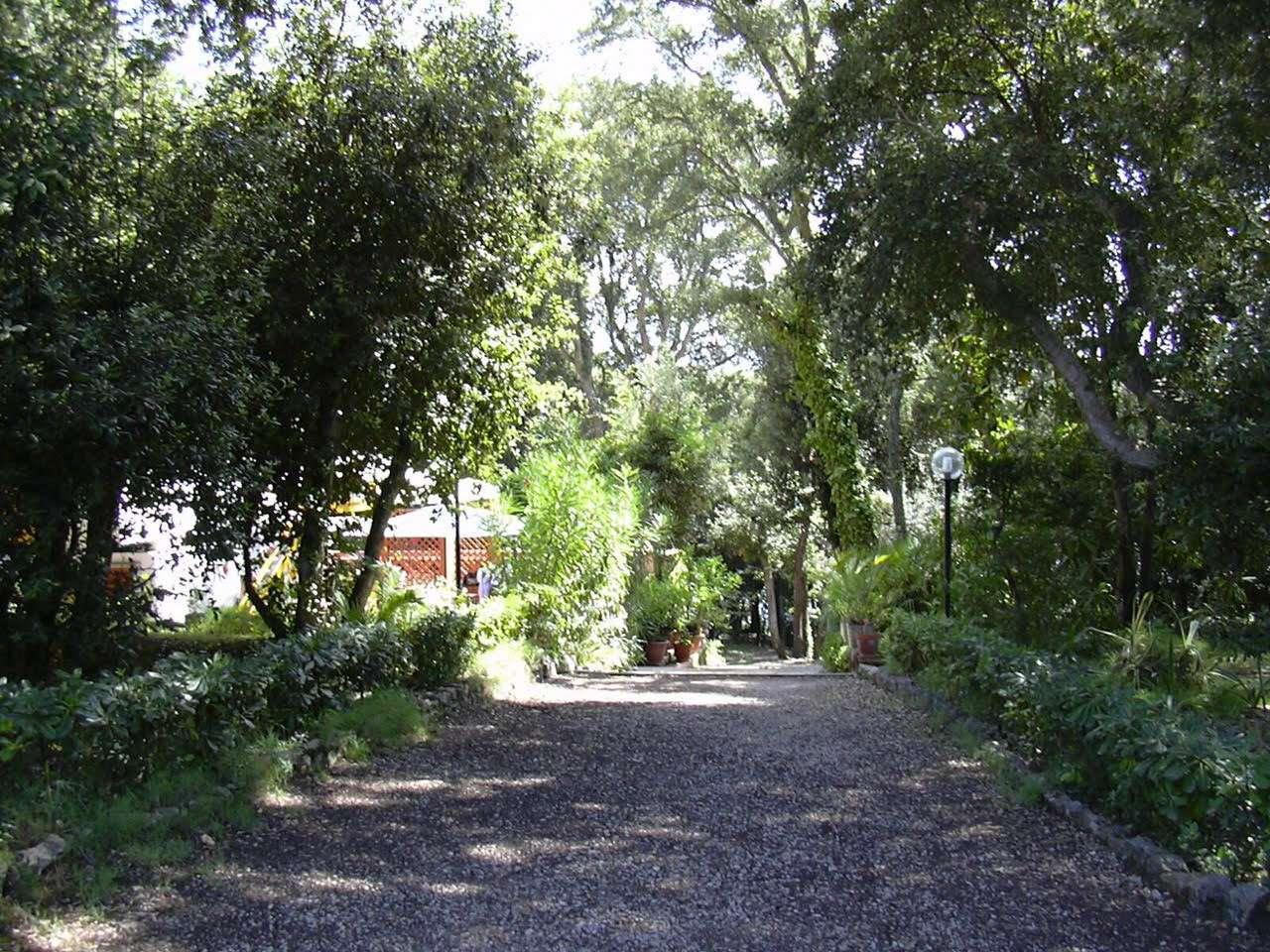 Villa in vendita a Sabaudia, 4 locali, prezzo € 1.200.000 | Cambio Casa.it