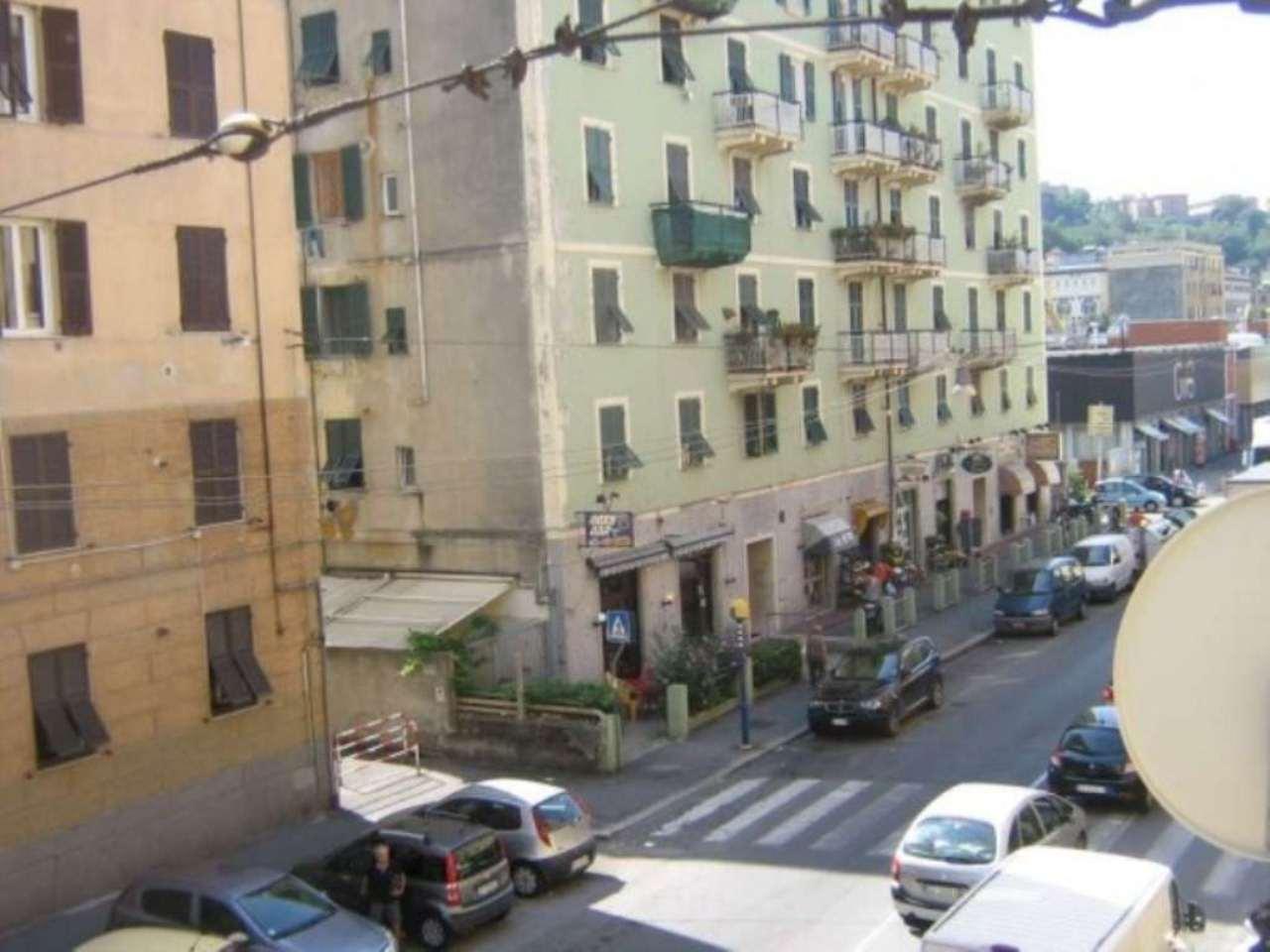 Bilocale Genova Via Rivarolo 9