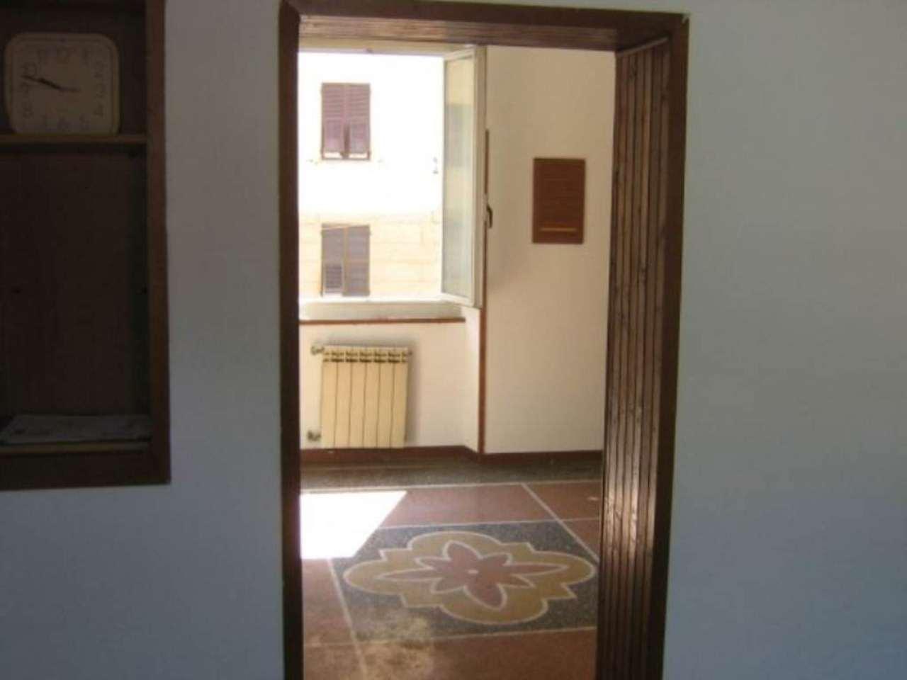 Bilocale Genova Via Rivarolo 11