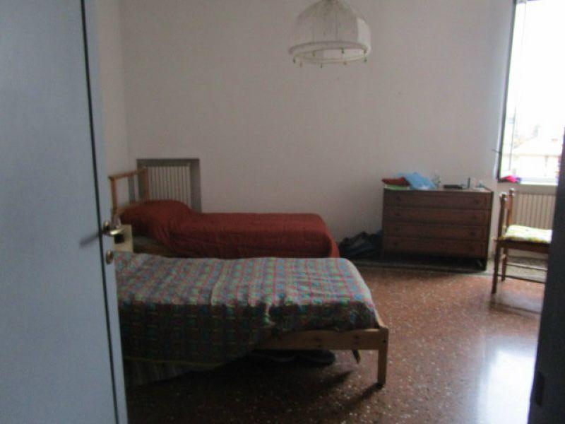 Bilocale Genova Via Marina Di Robilant 11