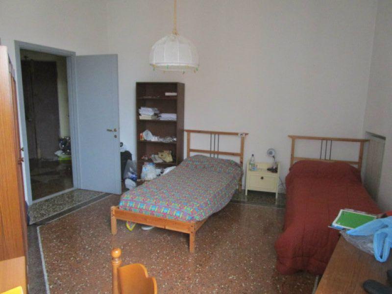 Bilocale Genova Via Marina Di Robilant 13