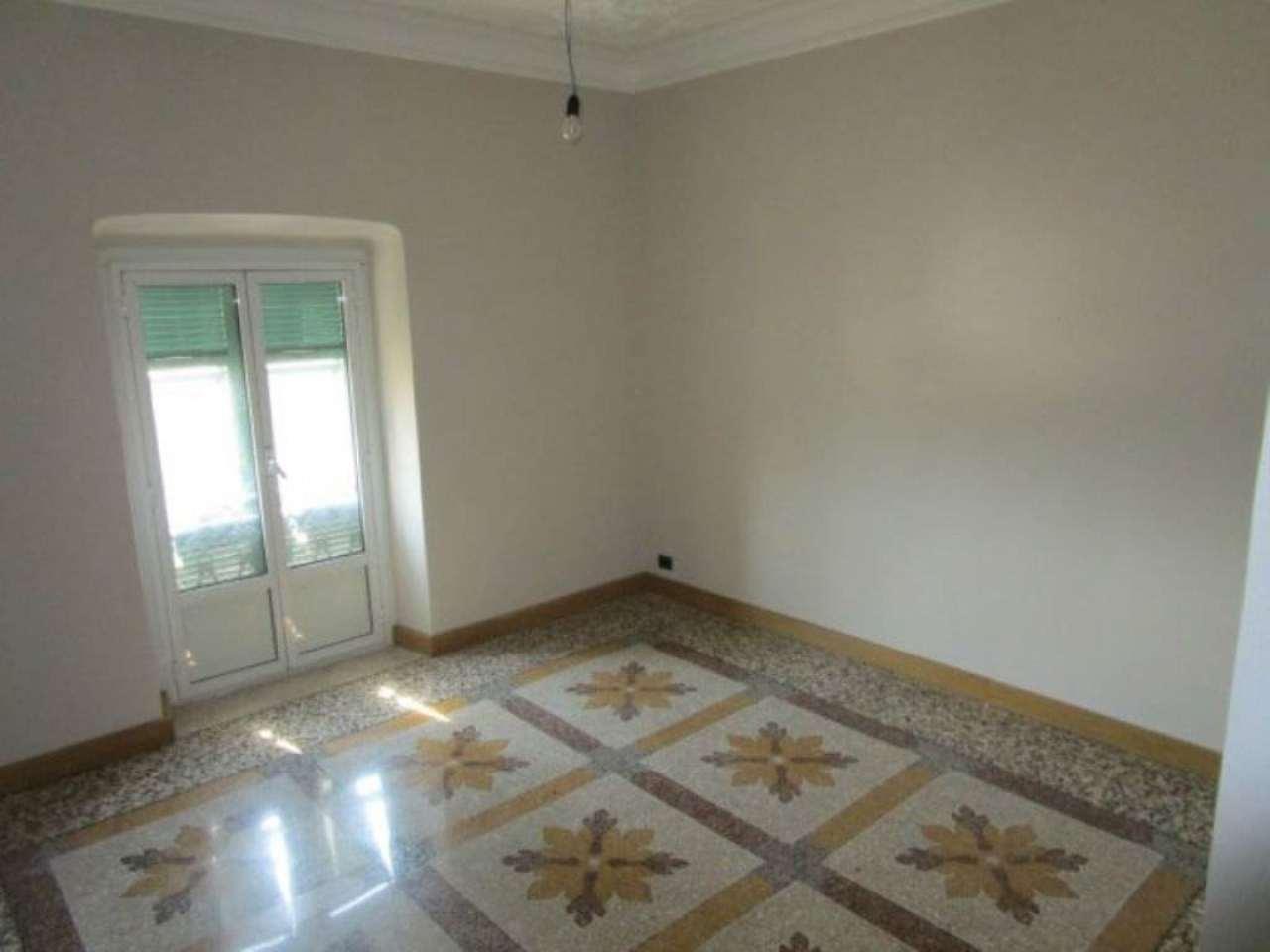 Appartamento in affitto a Genova, 4 locali, zona Zona: 1 . Centro, Centro Storico, prezzo € 1.100 | Cambio Casa.it