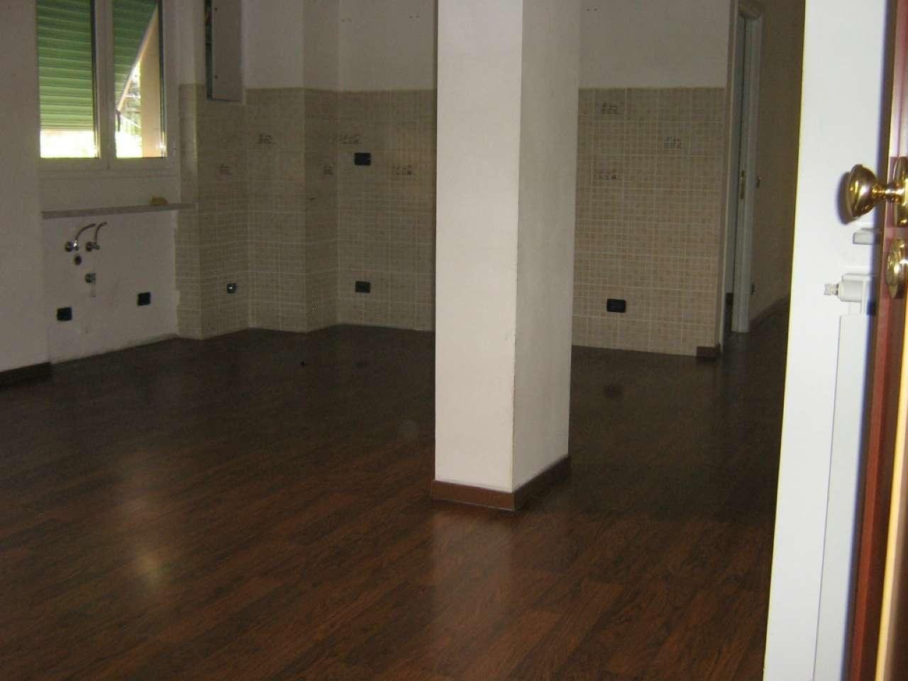 Appartamento in affitto a Genova, 3 locali, zona Zona: 8 . Sampierdarena, Certosa-Rivarolo, Centro Ovest, S.Teodoro, prezzo € 550 | Cambio Casa.it