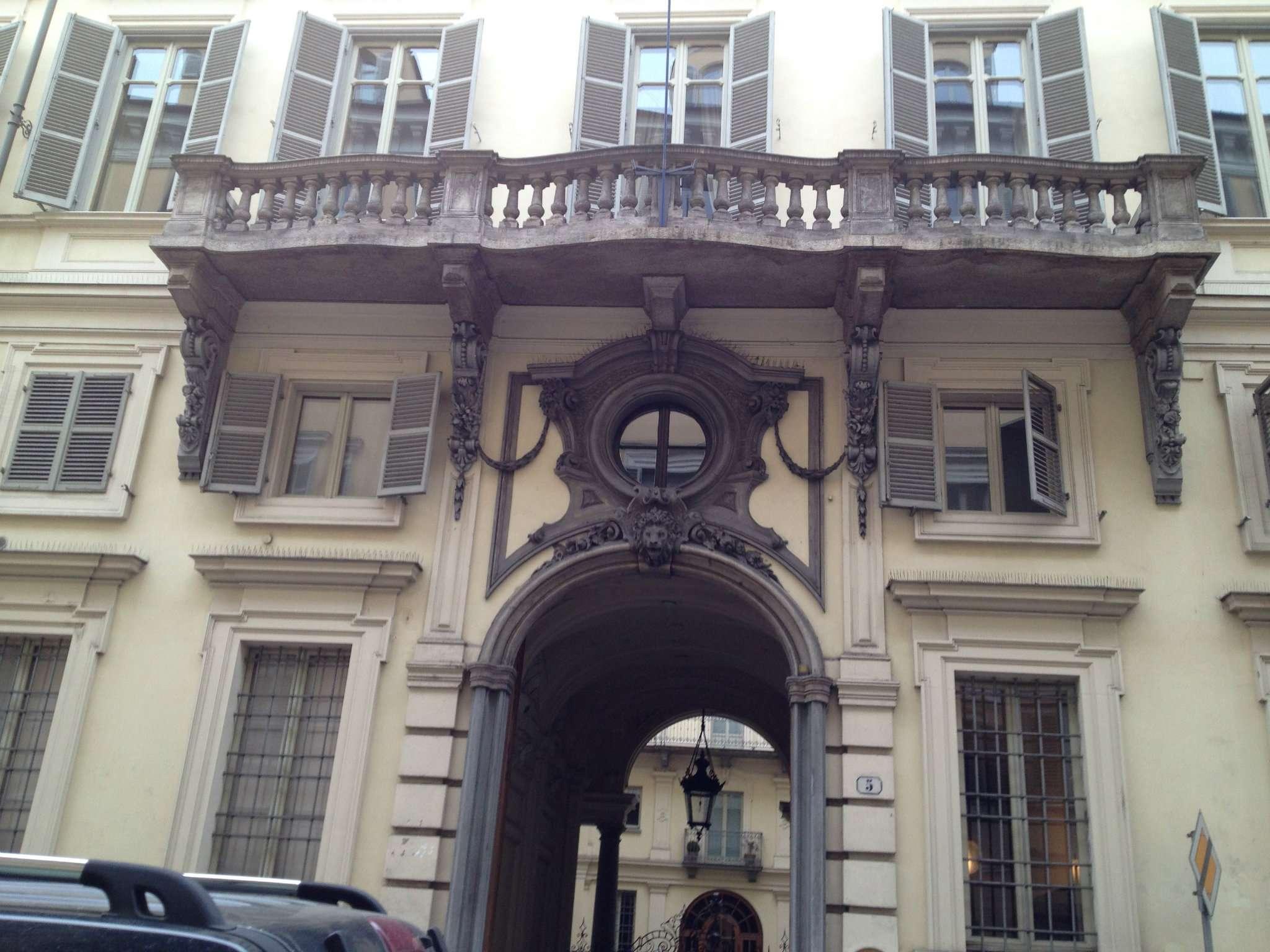 Appartamento in vendita a Torino, 3 locali, zona Zona: 1 . Centro, Quadrilatero Romano, Repubblica, Giardini Reali, prezzo € 235.000 | CambioCasa.it