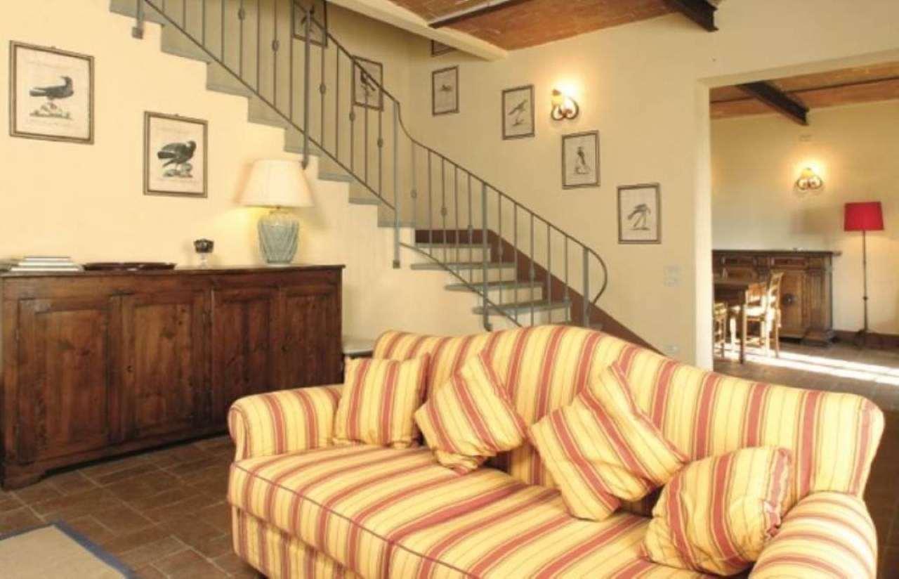 Palazzo / Stabile in affitto a San Casciano in Val di Pesa, 9 locali, prezzo € 2.600 | Cambio Casa.it