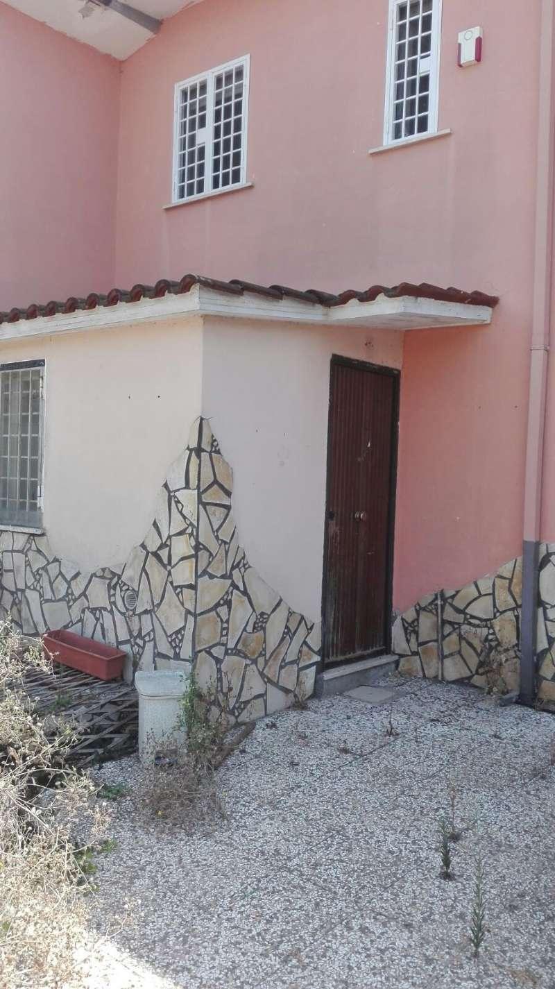 Soluzione Indipendente in vendita a Ardea, 2 locali, prezzo € 55.000   CambioCasa.it