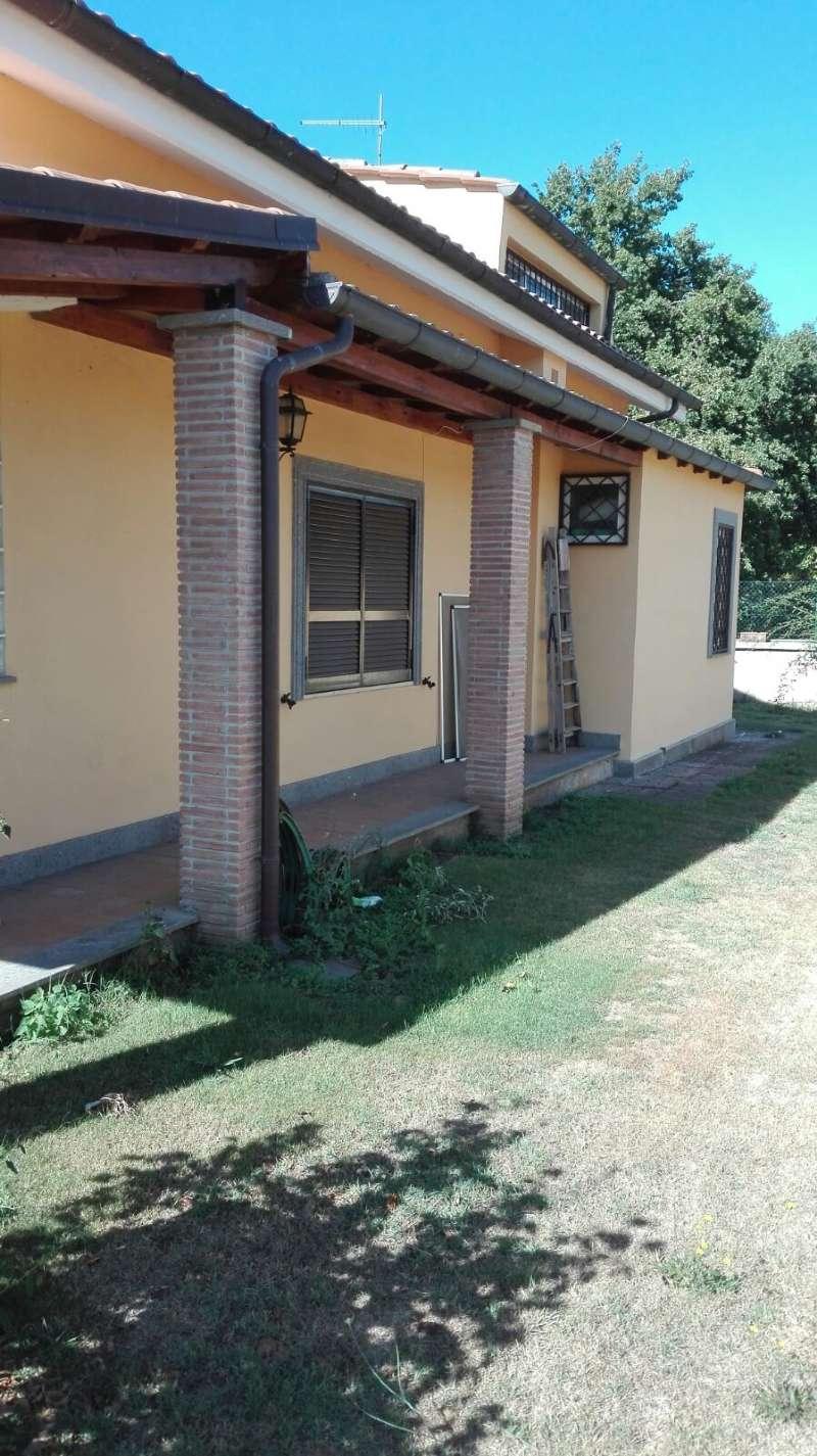 Villa in vendita a Rocca di Papa, 8 locali, prezzo € 510.000   CambioCasa.it