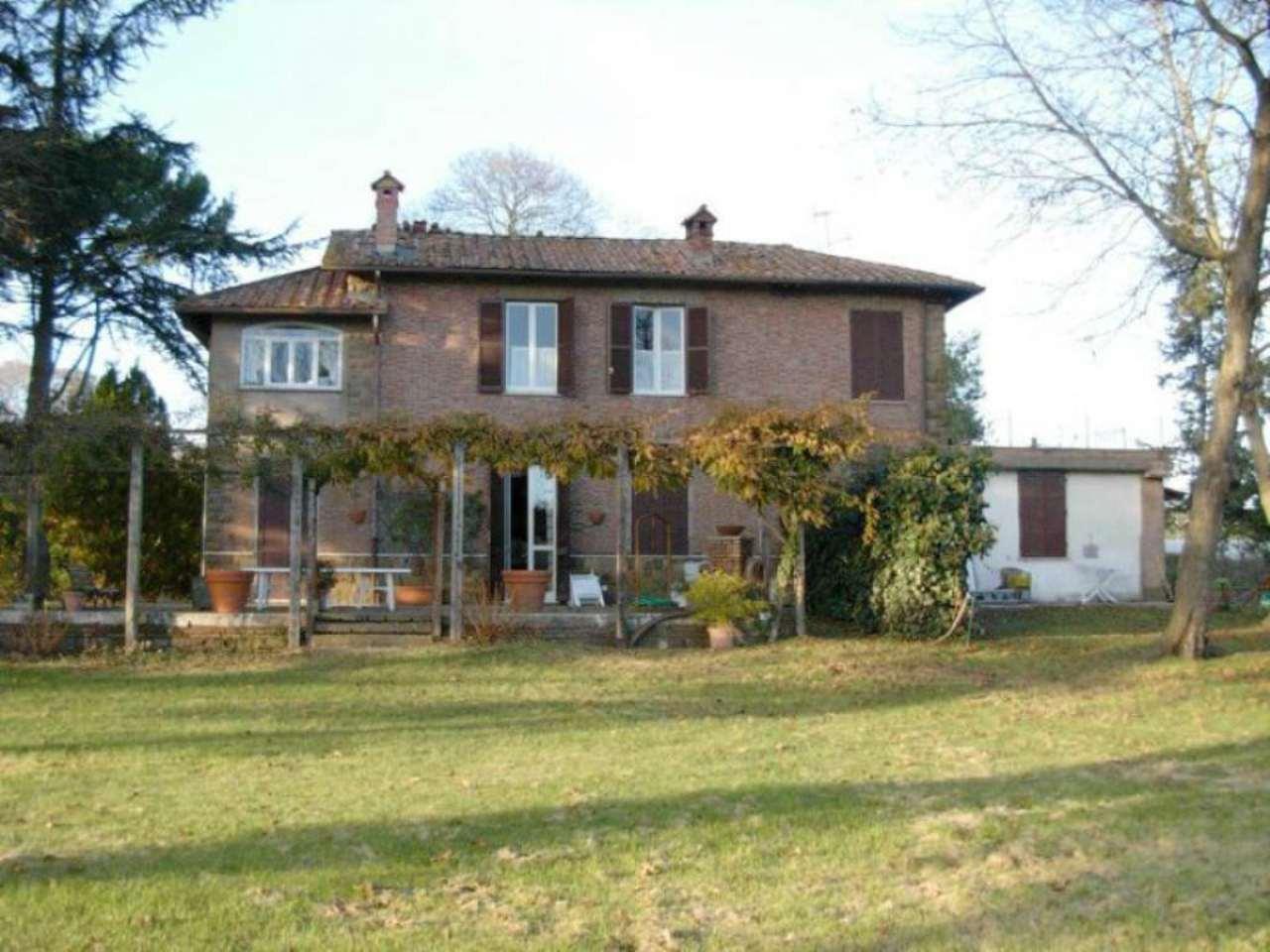 Villa in vendita a Nemi, 10 locali, prezzo € 810.000   CambioCasa.it