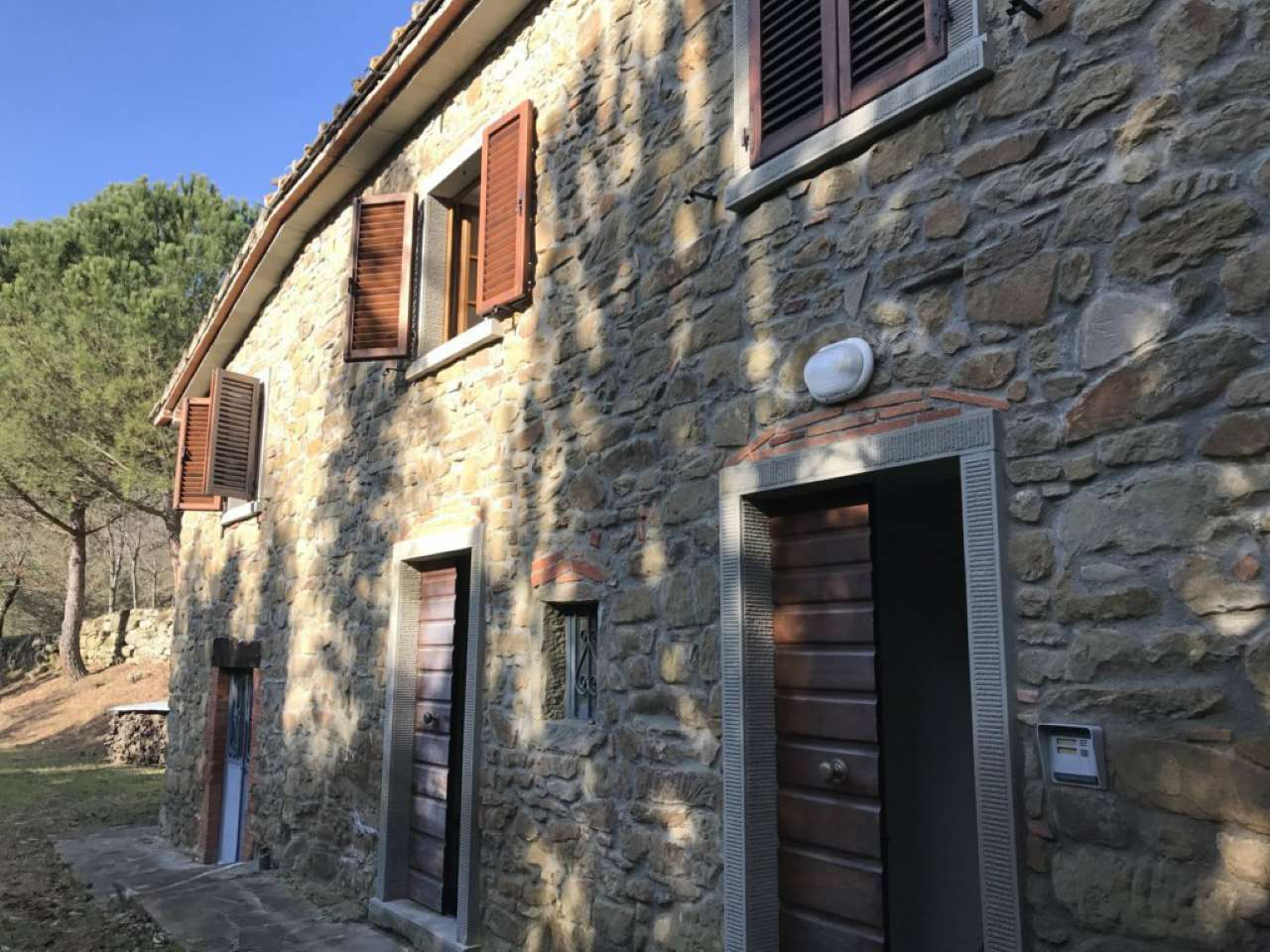 Rustico-casale Altro in Vendita a Arezzo