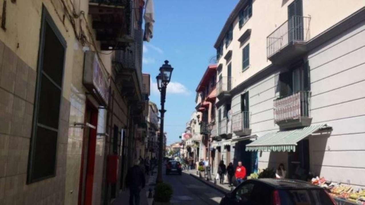 Magazzino in affitto a Calvizzano, 2 locali, prezzo € 300 | Cambio Casa.it