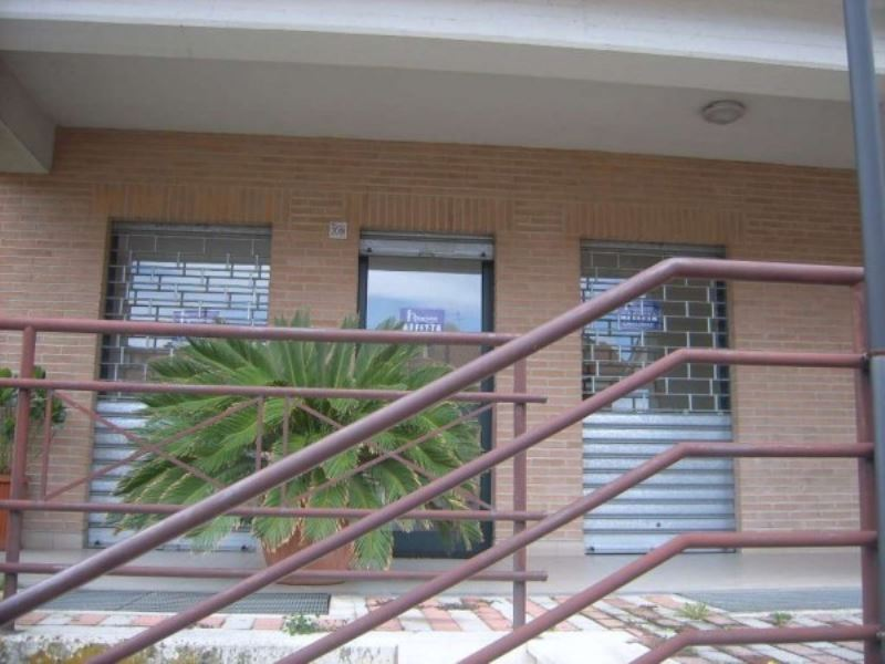 Negozio / Locale in affitto a Avellino, 1 locali, prezzo € 400 | CambioCasa.it