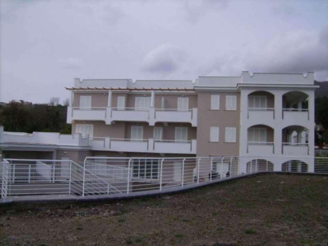 Appartamento in vendita a Ischia, 3 locali, Trattative riservate | Cambio Casa.it