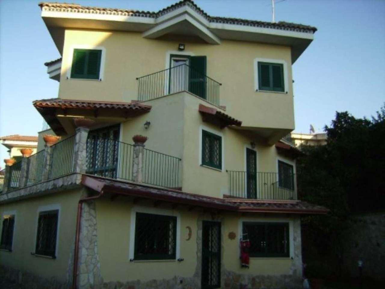 Villa in vendita a Marano di Napoli, 6 locali, prezzo € 580.000   Cambio Casa.it