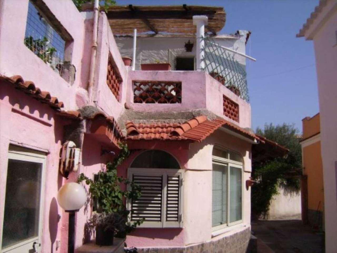 Villa in Vendita a Procida