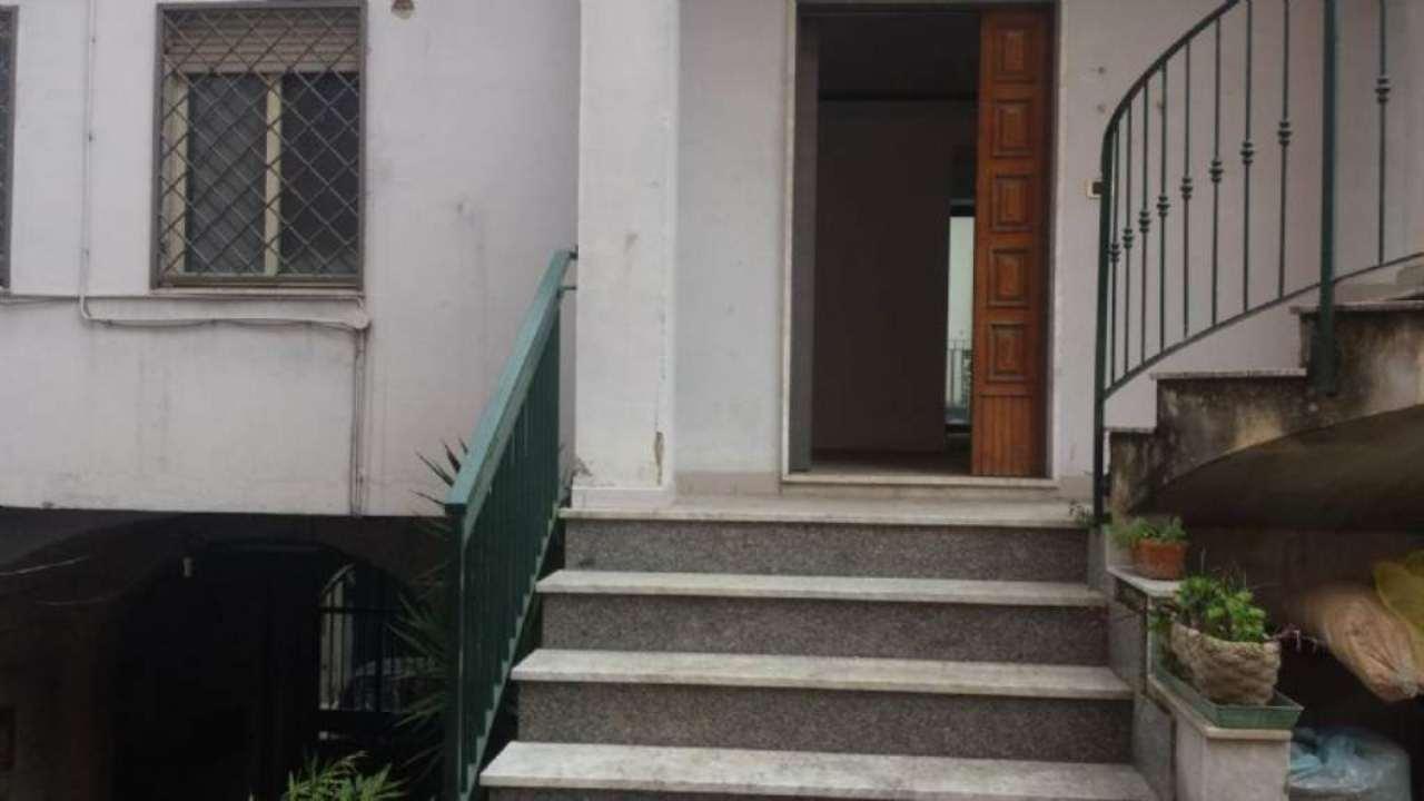 Ufficio / Studio in affitto a Marano di Napoli, 4 locali, prezzo € 580 | CambioCasa.it