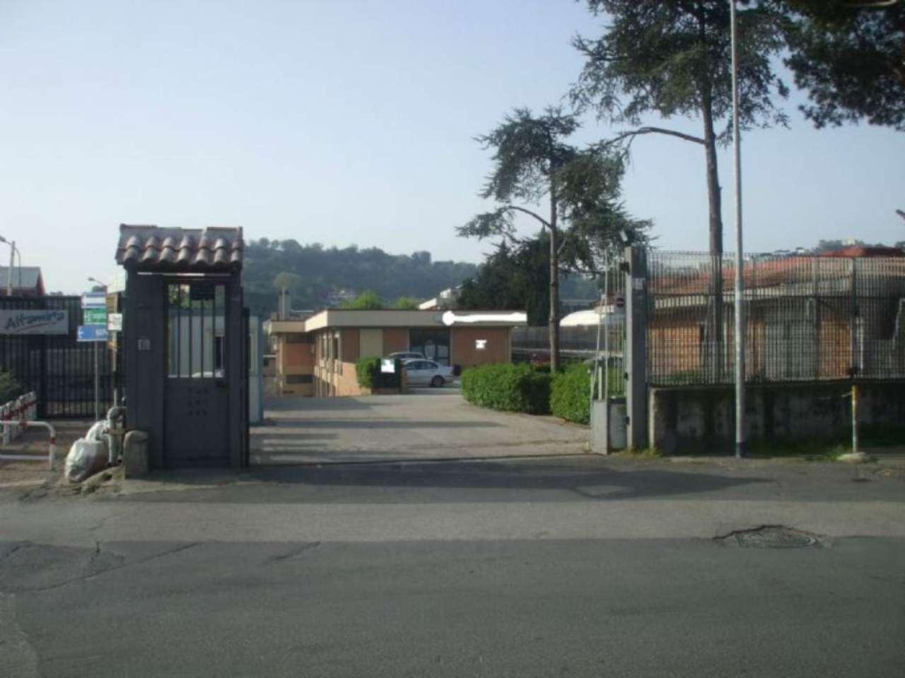 Capannone in vendita a Napoli, 8 locali, zona Zona: 10 . Bagnoli, Fuorigrotta, Agnano, prezzo € 1.580.000 | Cambio Casa.it