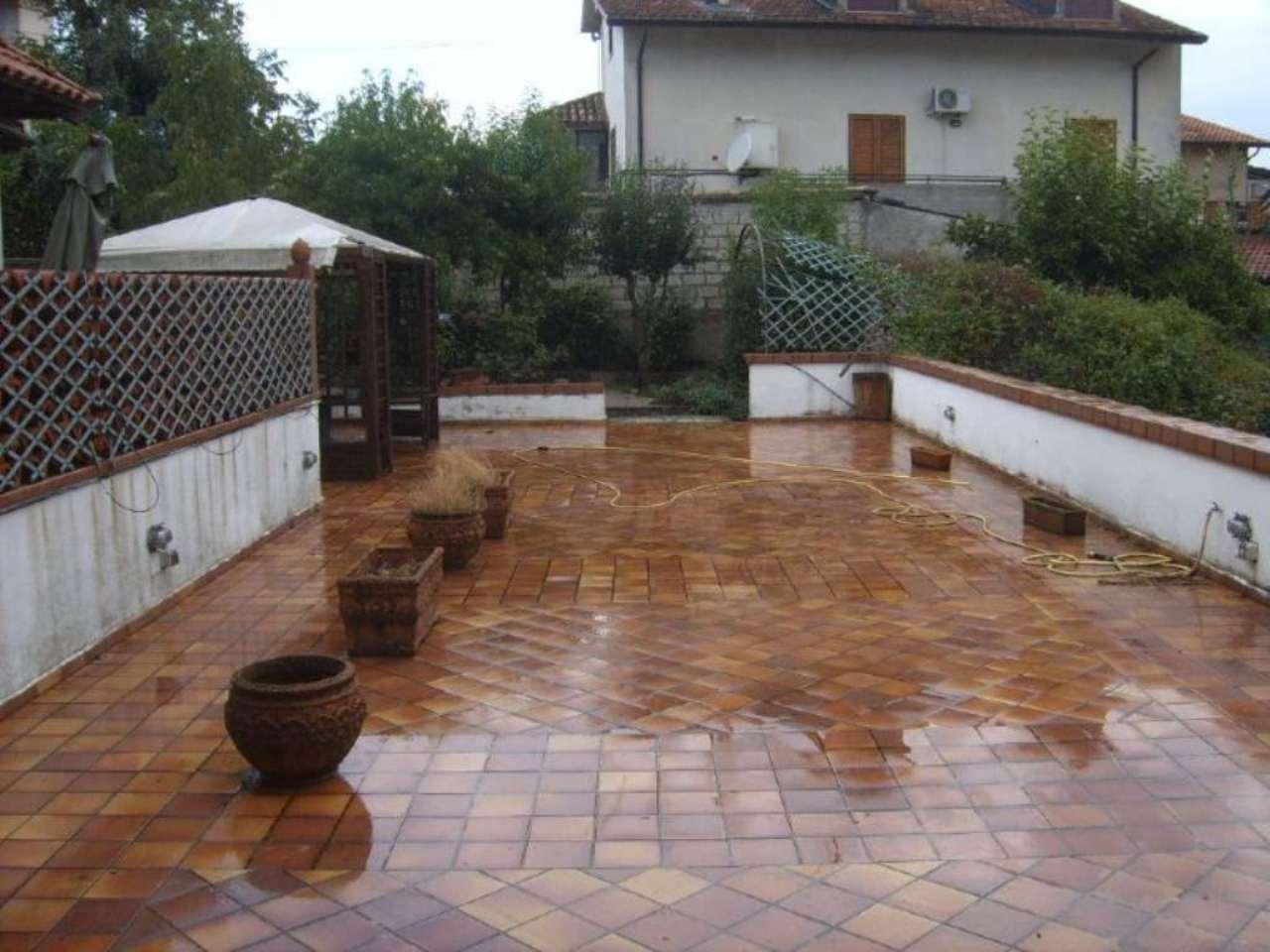 Villa Tri-Quadrifamiliare in vendita a Candida, 5 locali, prezzo € 250.000 | Cambio Casa.it