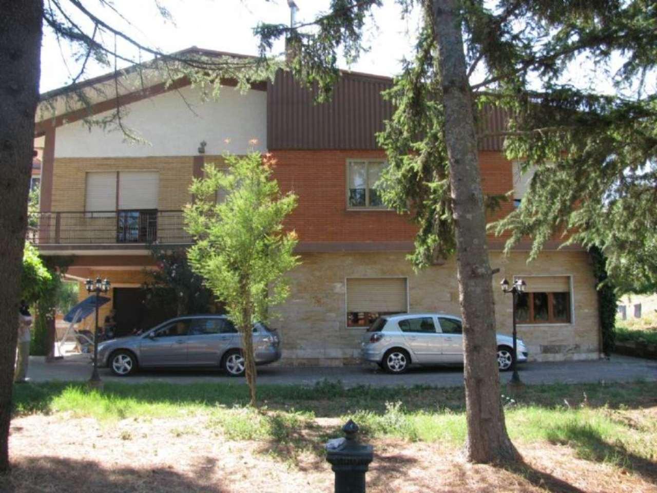 Villa in vendita a San Nicola Baronia, 8 locali, prezzo € 250.000 | CambioCasa.it