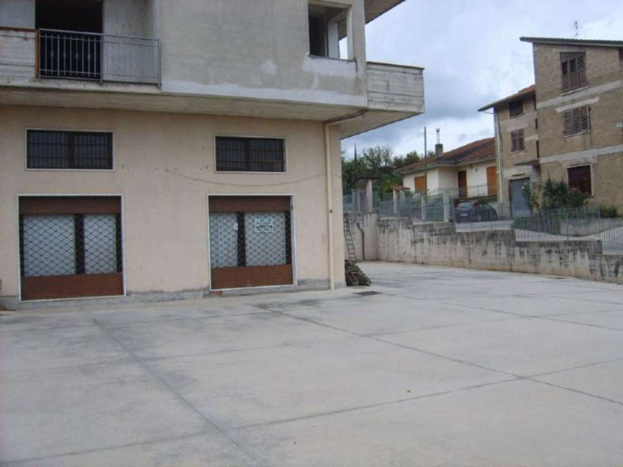 Negozio / Locale in affitto a Atripalda, 1 locali, prezzo € 1.000 | Cambio Casa.it