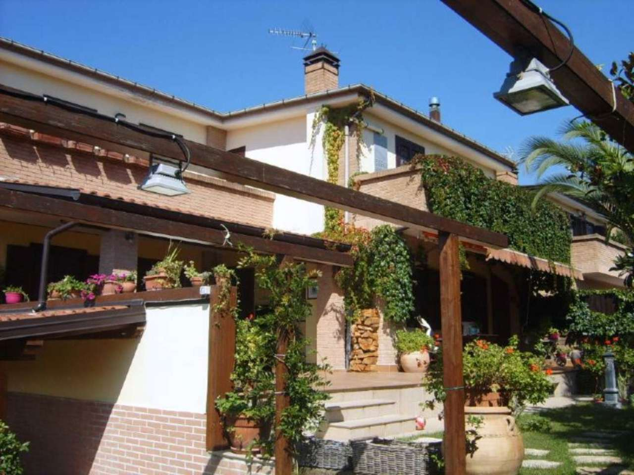 Villa a Schiera in vendita a Pratola Serra, 4 locali, Trattative riservate | Cambio Casa.it
