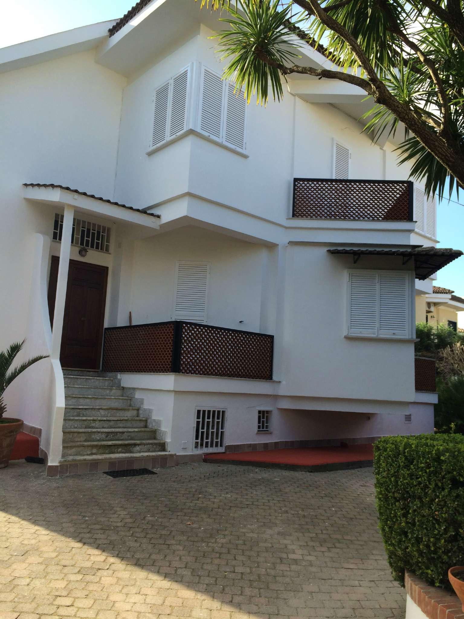 Villa in vendita a Marano di Napoli, 6 locali, prezzo € 490.000 | Cambio Casa.it