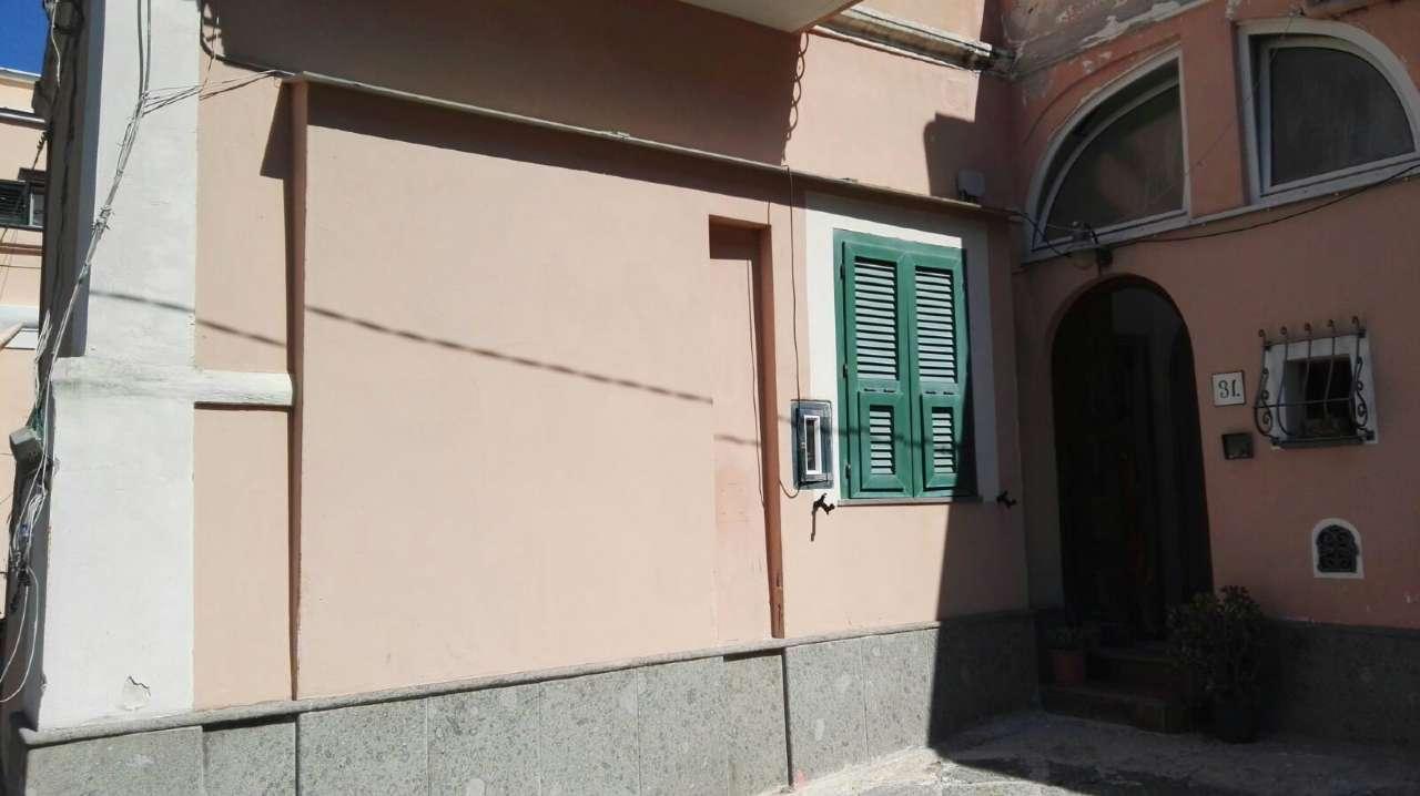 Appartamento in vendita a Procida, 7 locali, prezzo € 610.000 | CambioCasa.it
