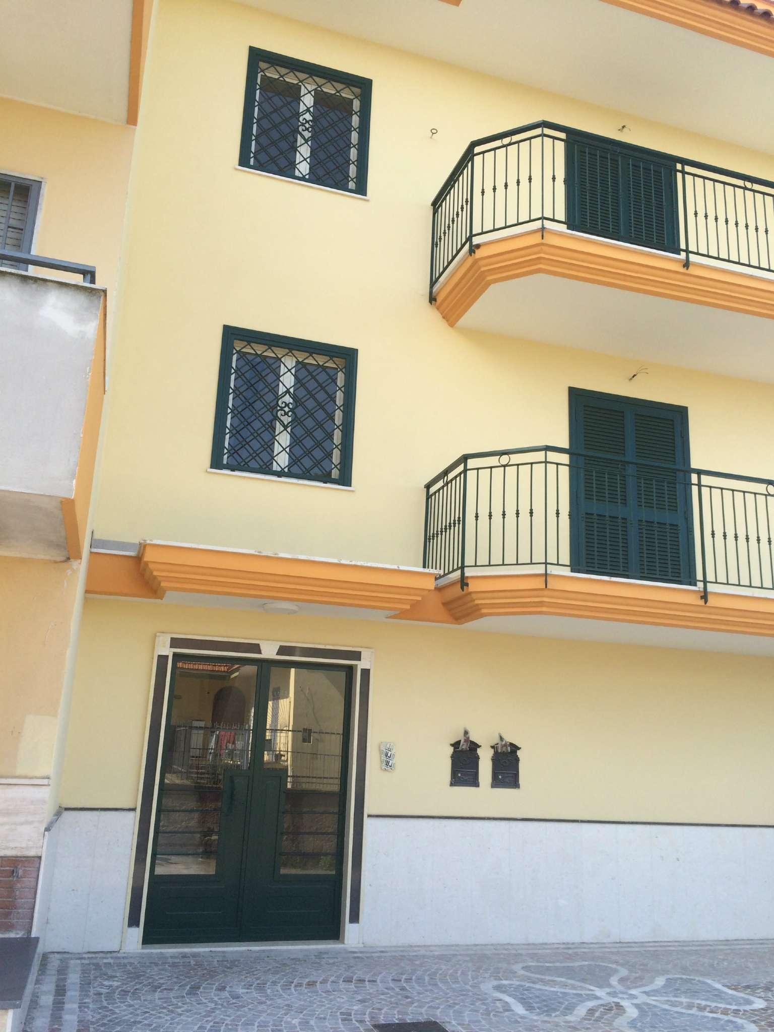 Appartamento in affitto a Calvizzano, 3 locali, prezzo € 500   Cambio Casa.it