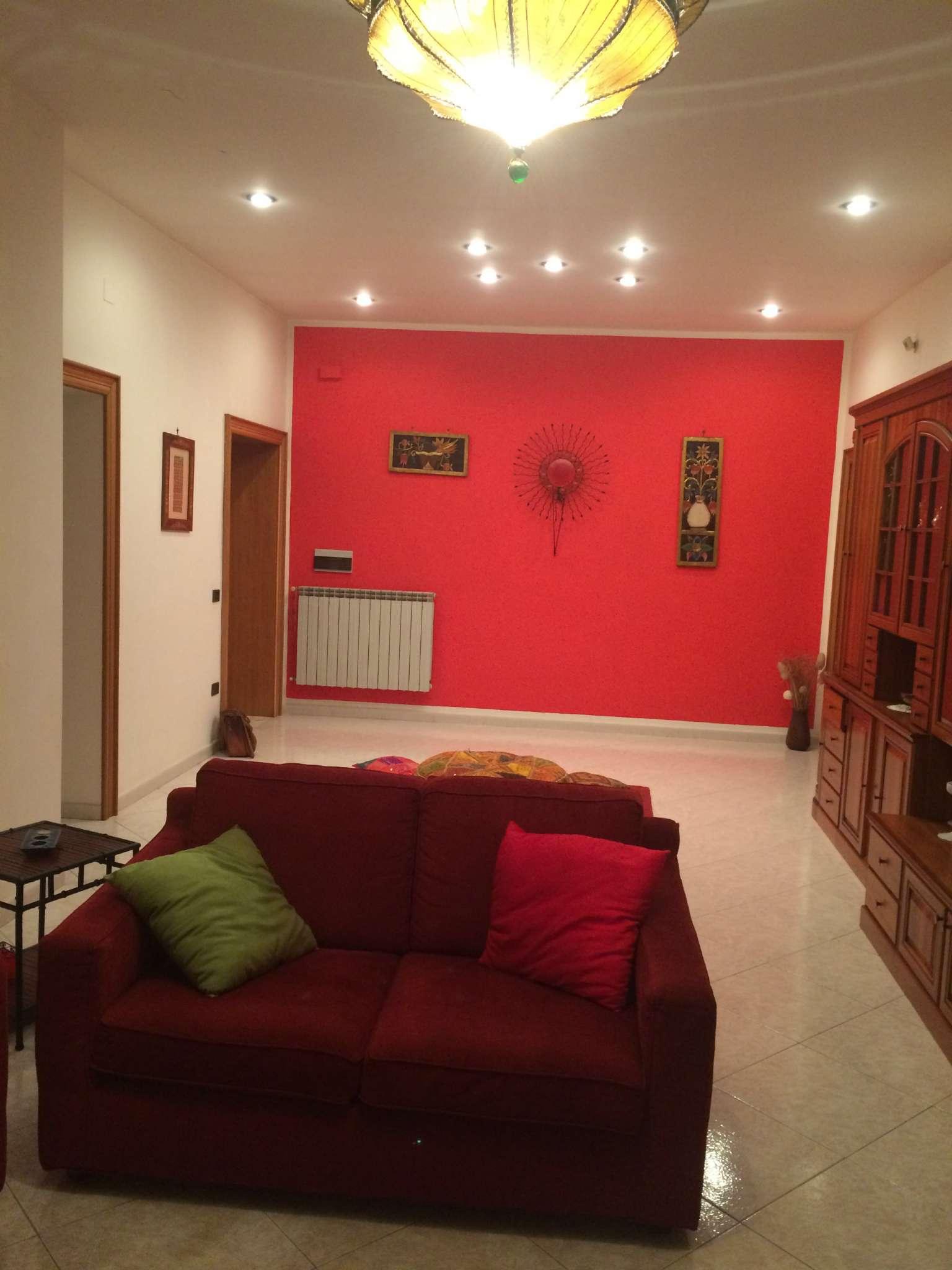 Appartamento in affitto a Mugnano di Napoli, 7 locali, prezzo € 700 | CambioCasa.it
