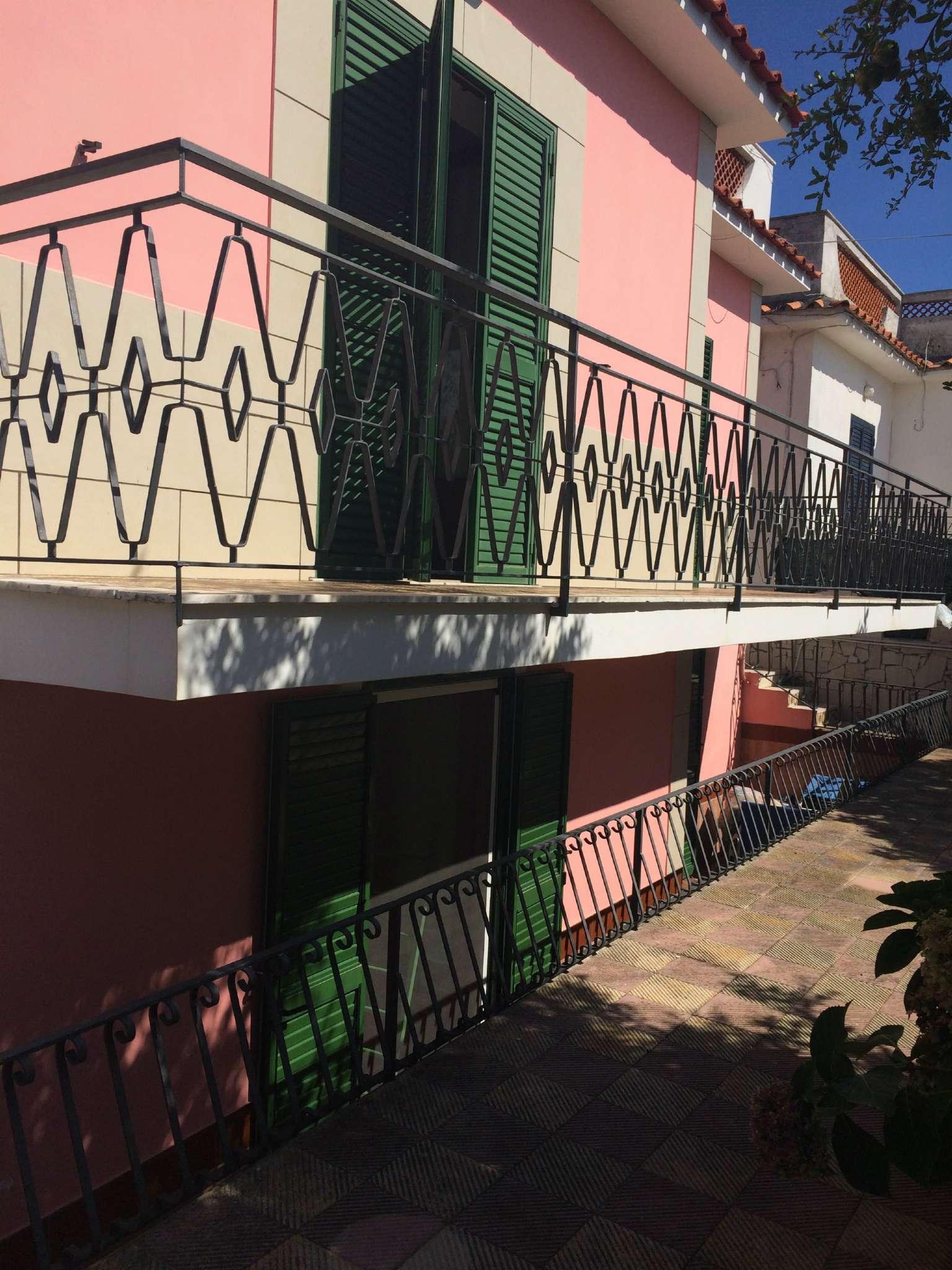 Appartamento in affitto a Procida, 5 locali, prezzo € 800   CambioCasa.it