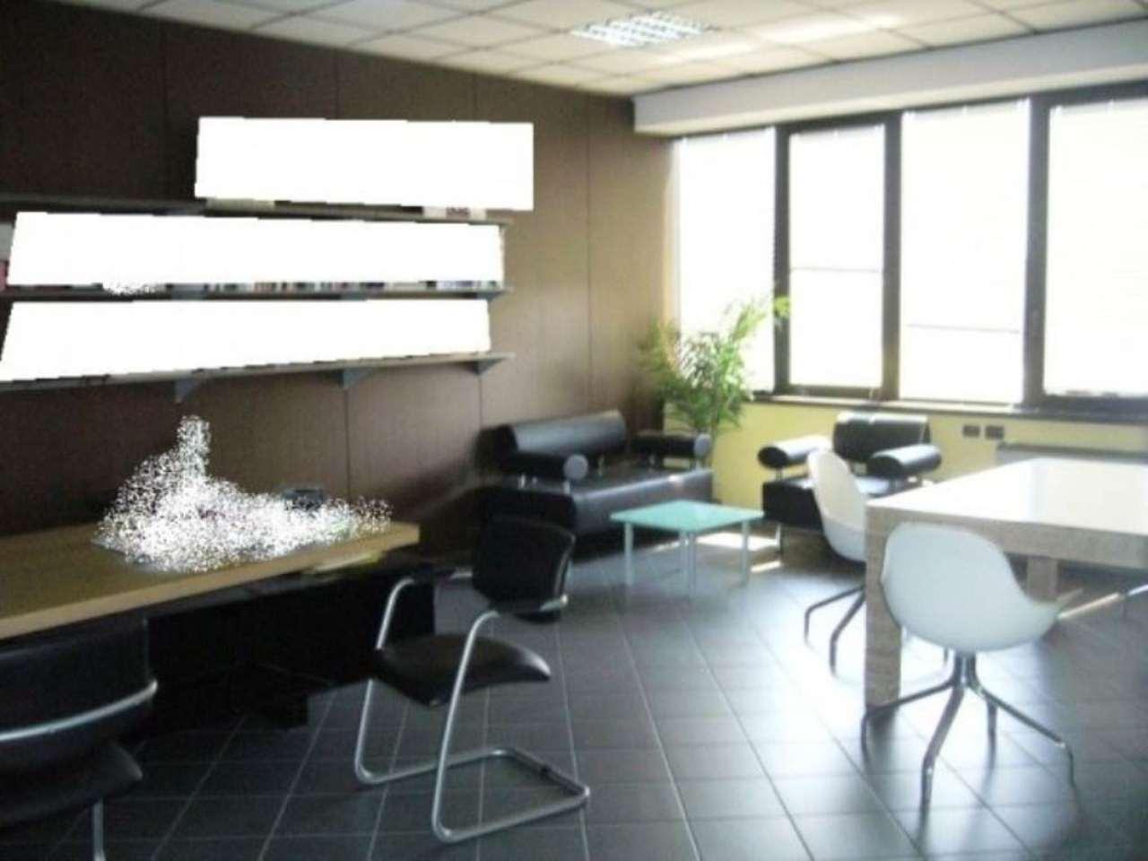 Capannone in vendita a Campi Bisenzio, 5 locali, prezzo € 700.000 | Cambio Casa.it