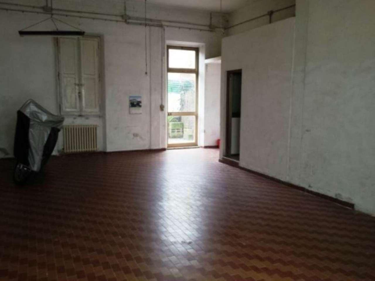 Laboratorio in affitto a Signa, 5 locali, prezzo € 550 | CambioCasa.it