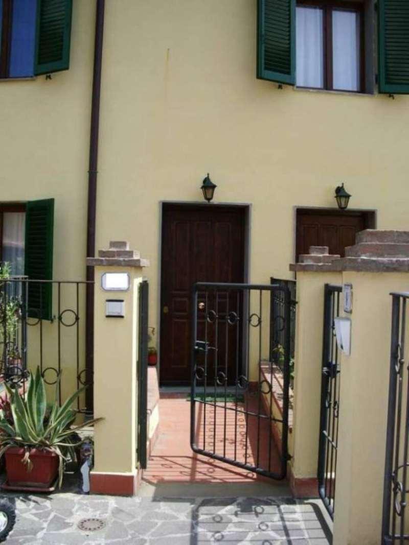 Palazzo / Stabile in affitto a Signa, 5 locali, prezzo € 750 | Cambio Casa.it