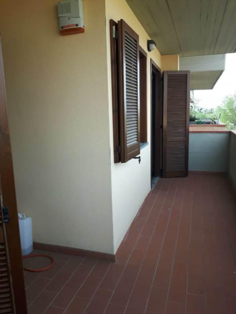 Appartamento in affitto a Signa, 4 locali, prezzo € 800 | Cambio Casa.it